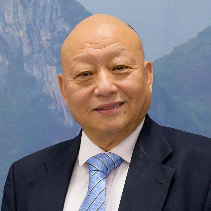 Baoshun Shi